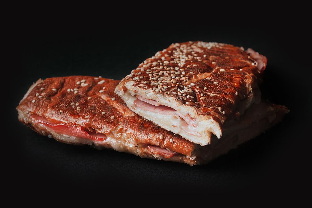 Sendvič sa šunkom-pečenicom - Pile i prase